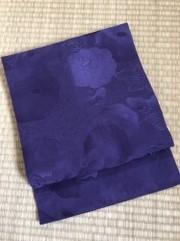 紫地無地に菊文帯