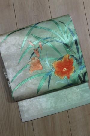 ぼかしに橙花文帯