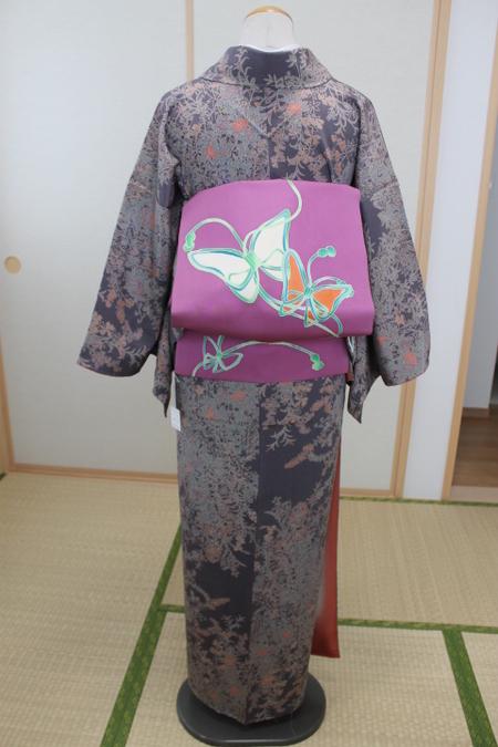 灰紫縮緬地花柄小紋