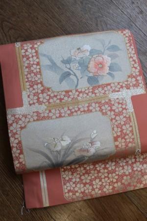 椿に菖蒲文刺繍名古屋帯