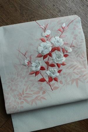 椿刺繍文名古屋帯