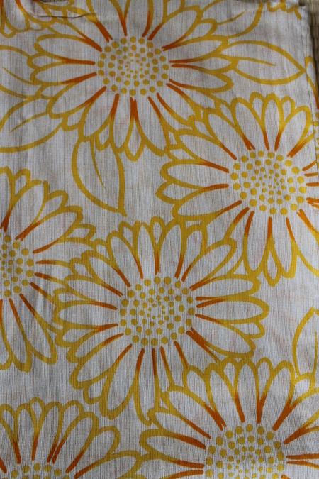 黄色ひまわり柄浴衣