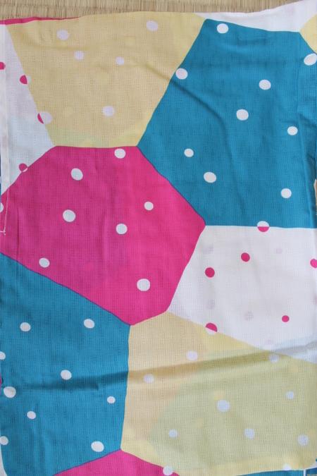 幾何学にドットのポップな浴衣