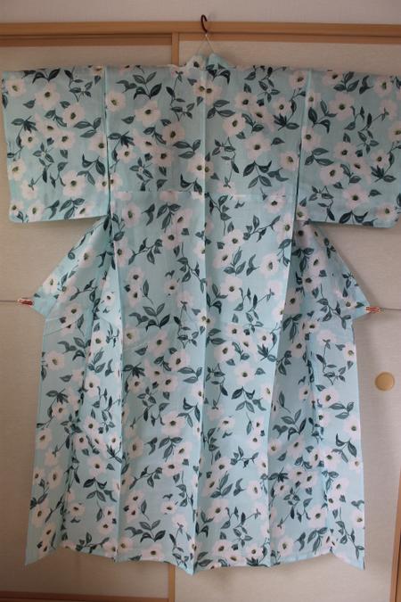 水色に花柄浴衣