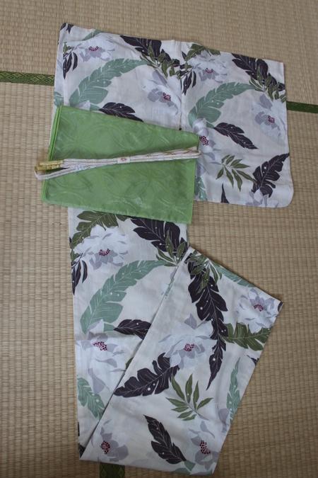 牡丹と芭蕉浴衣