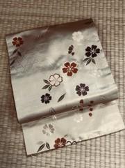 金地生垣に桜文帯